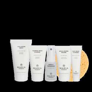 MY FIRST STARTER SET | Deze kant-en-klare set bevat alles wat je voor de dagelijkse huidverzorgingsroutine nodig hebt: reiniging, lotion en dagcrème. Ideaal voor de tienerhuid!