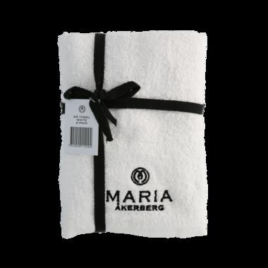 MÅ TOWEL 50x75 CM 2-PACK | Twee katoene witte handdoeken met een zwart MÅ-logo